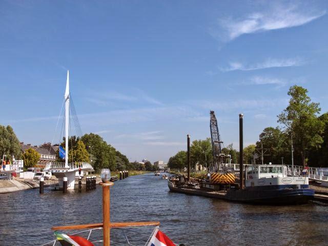 Netherlands waterway cruising – Delft to Leiden