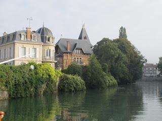 2015 European waterway trip – Canal de la Meuse – Last part.