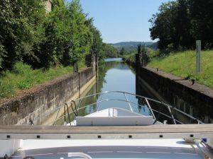 Narrow cut on canal on Canal du Rhone au Rijn