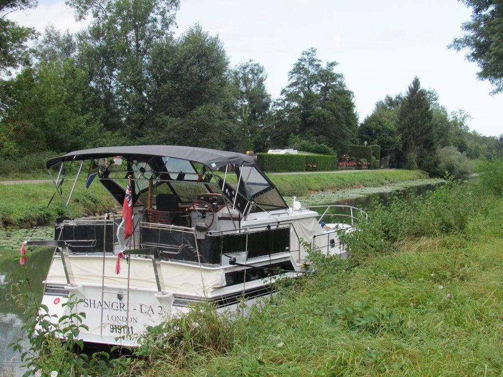 Wild stop at Orchamps - Canal du Rhone au Rijn