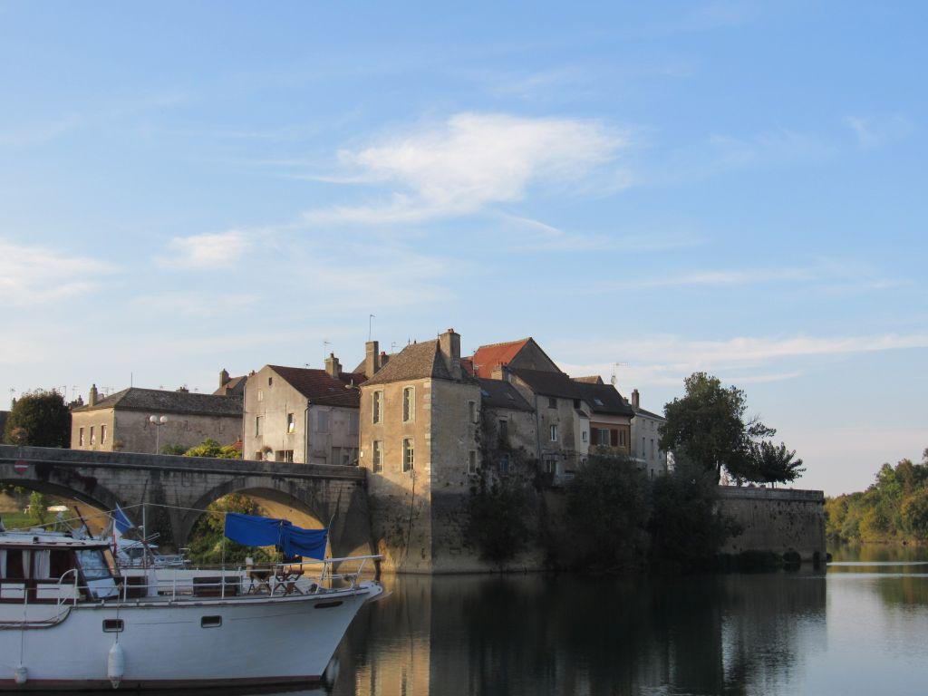 French inland waterways river saone waterway wanderer - Piscine verdun sur le doubs ...