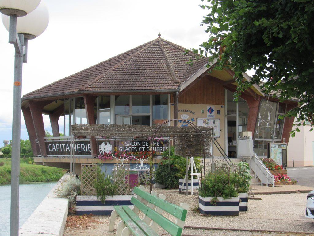 Verdun-sur-le-Doubs - Capitainerie
