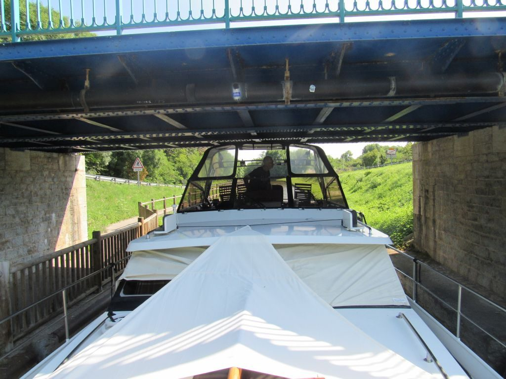 Canal du Centre - Low bridge