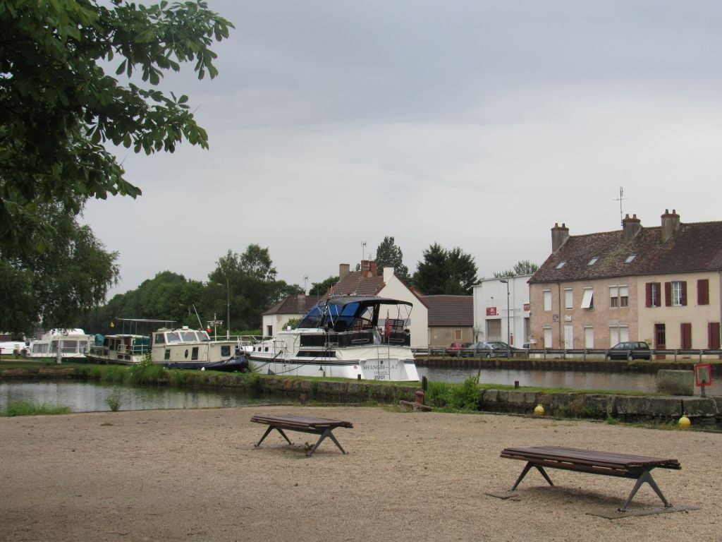 Shangri La in St Leger-sur-Dheune