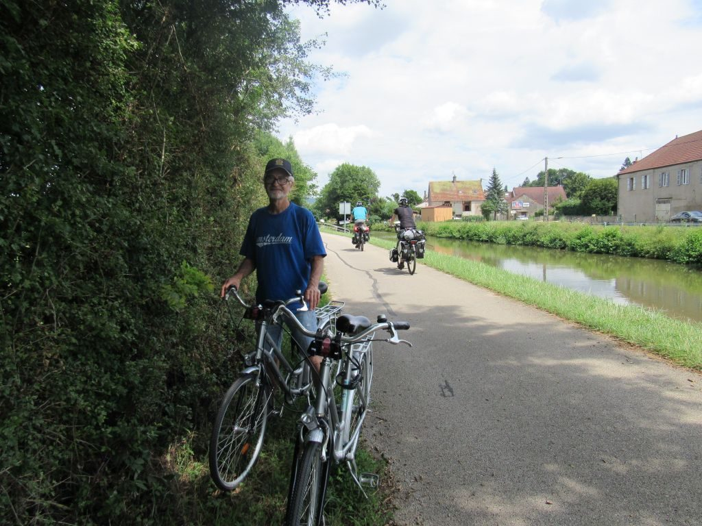 Day bicycle hire St Leger-sur-Dheune