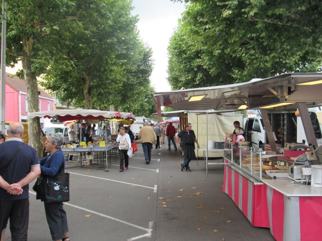 Market at Montceau-les-Mines