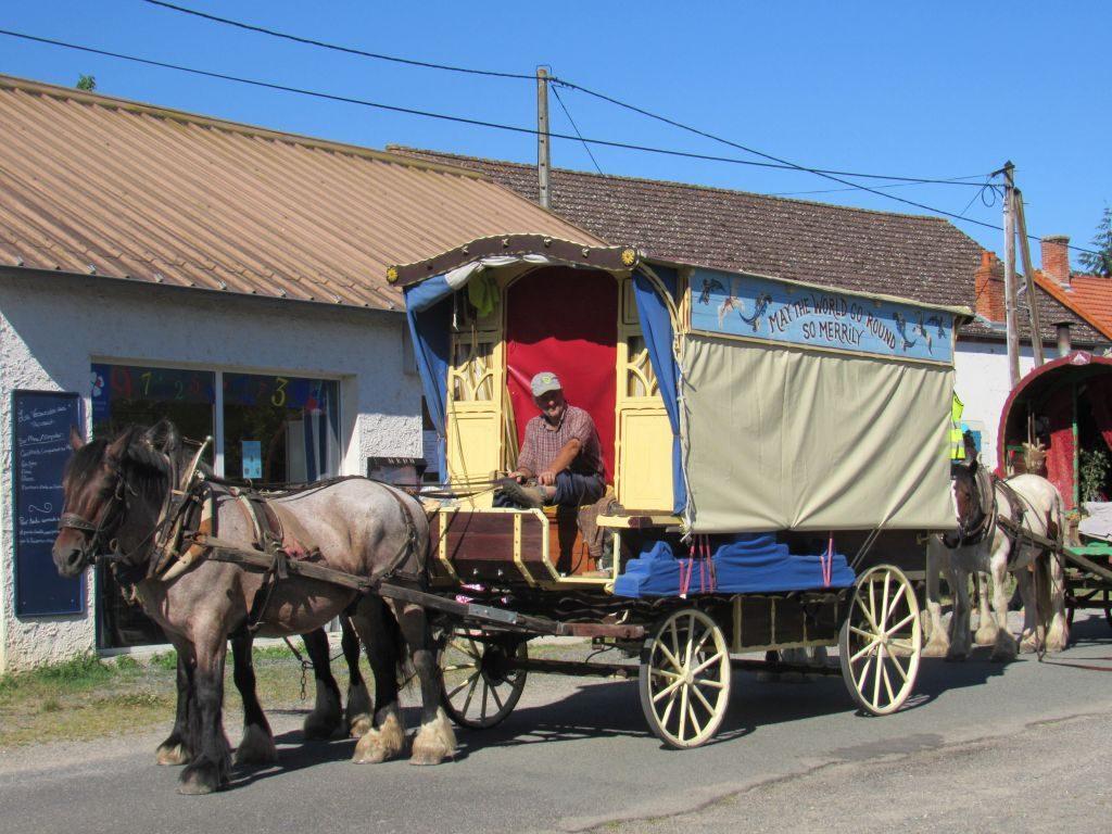 Travellers in Vanneaux