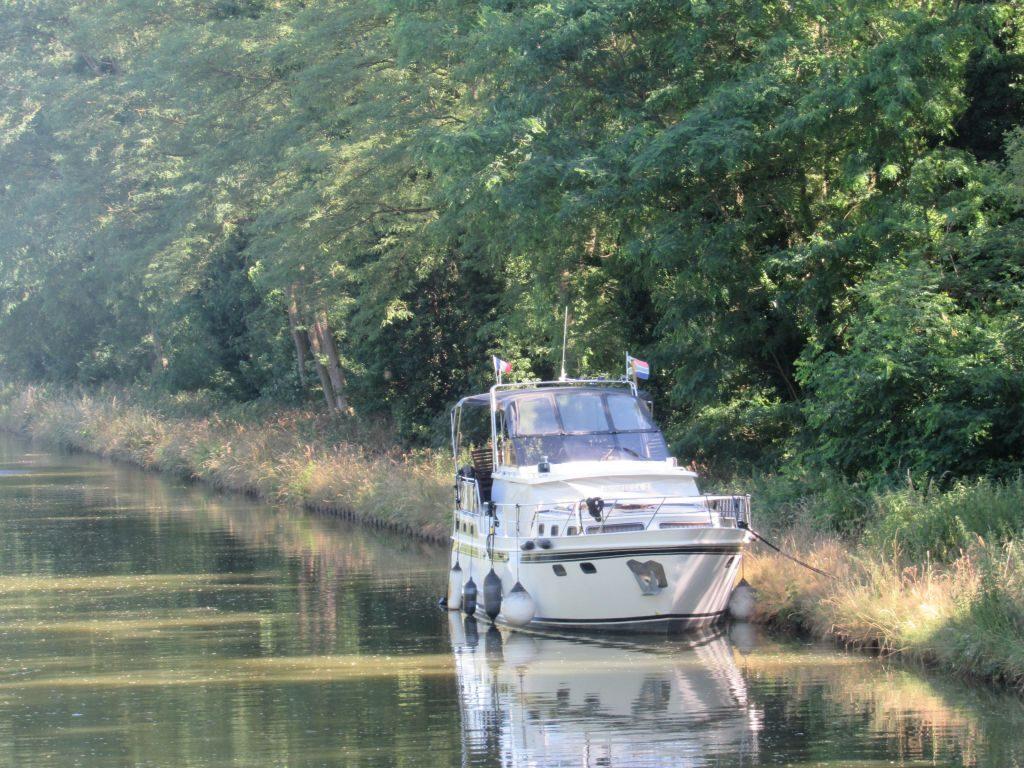 Wild stop near Gilly-sur-Loire