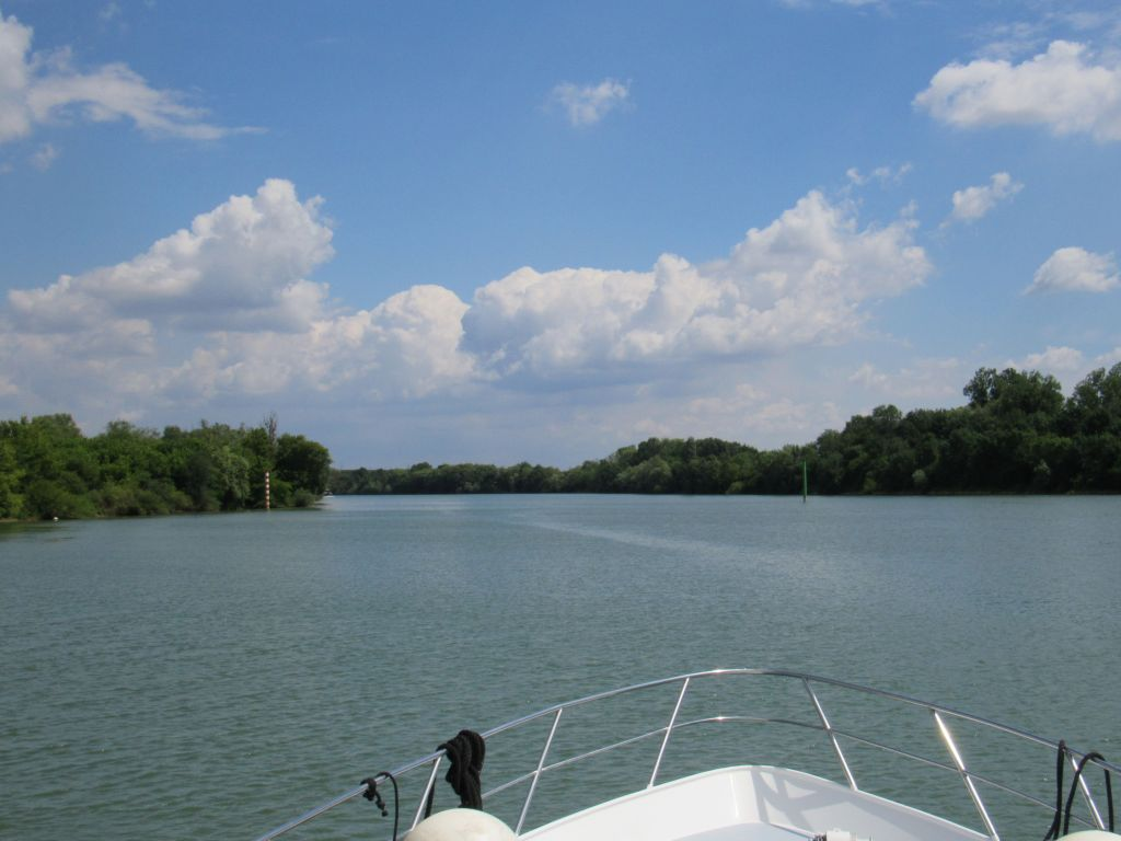 On the Saone - Chalon to Verdun sur le Doubs